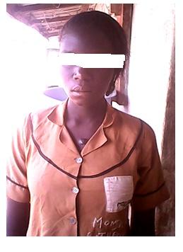 fille violée masquée